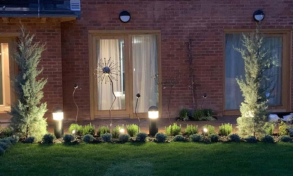Hotel-Indigo-Garden-Bollard-Lighting