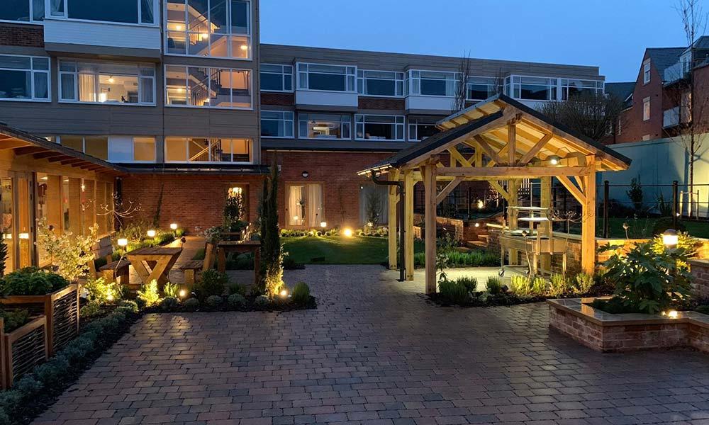 Hotel-Indigo-Garden-Lighting