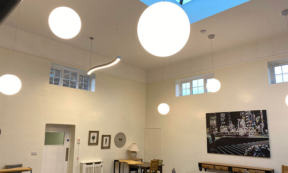 healthcare lighting - avanti lighting case study - bistro
