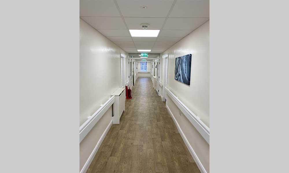 healthcare lighting - avanti lighting case study - corridor