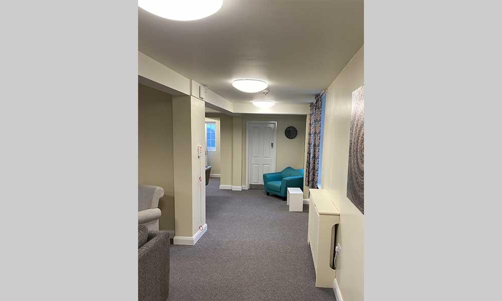 healthcare lighting - avanti lighting case study - lounge