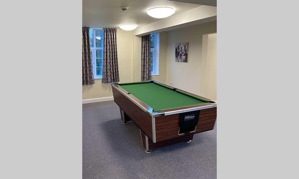 healthcare lighting - avanti lighting case study - pool